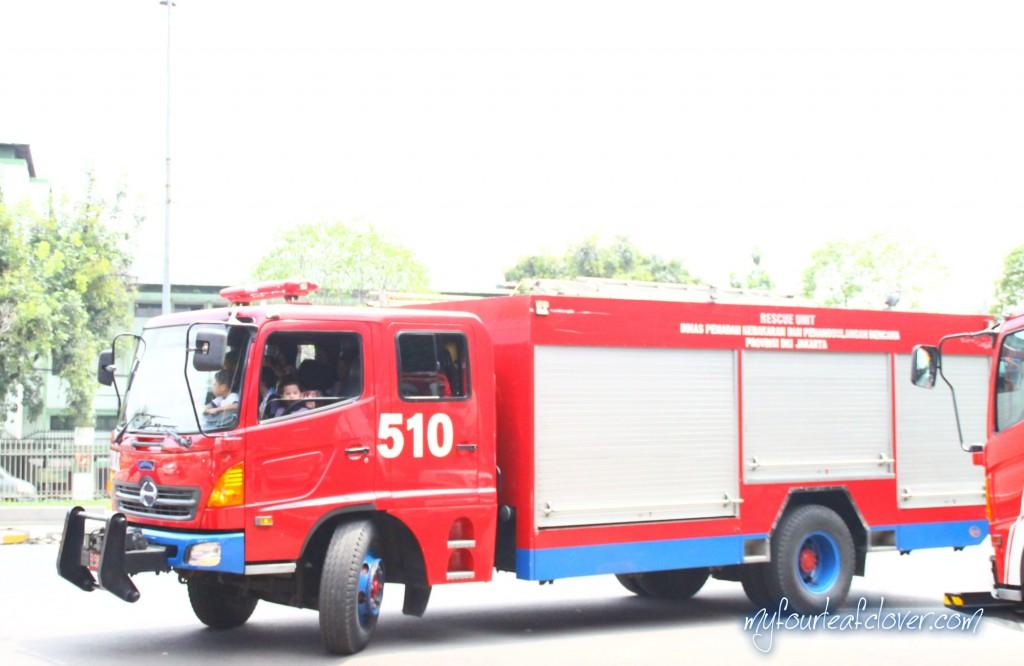 kegiatan-pemadam-kebakaran