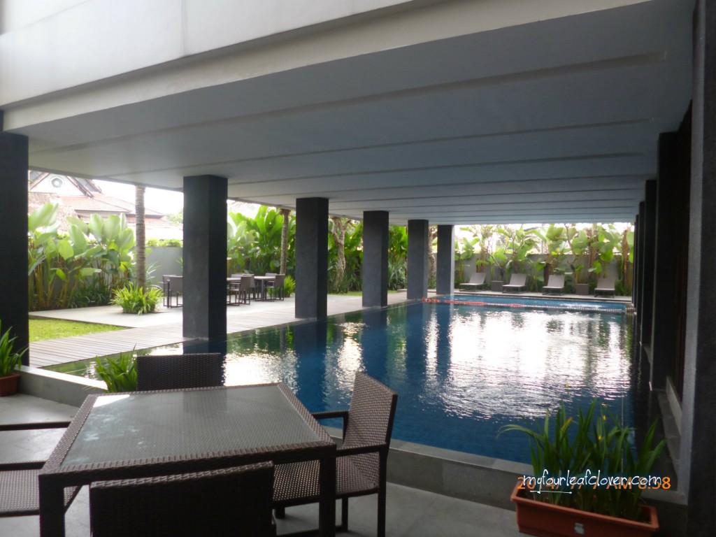 kolam-renang-hotel-mitra-bandung