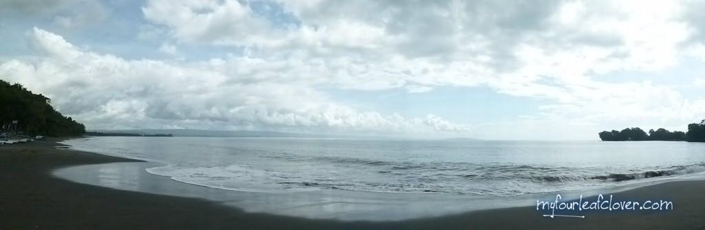 Pantai dekat tempat kami menginap